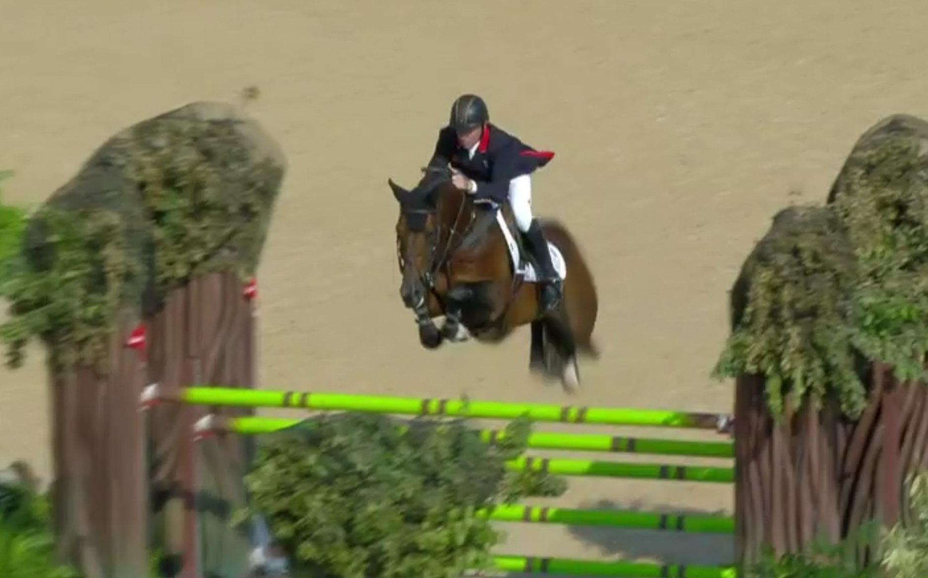 Nick Skelton winning gold
