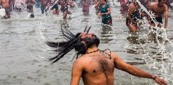 Holy dip at Ganges