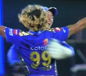 Lasith takes the final wicket to win for MI
