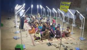 Faisalabad's makeshift school with solar energy