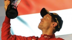 Sebastian Vettel wins Singapore F1 Grand Prix