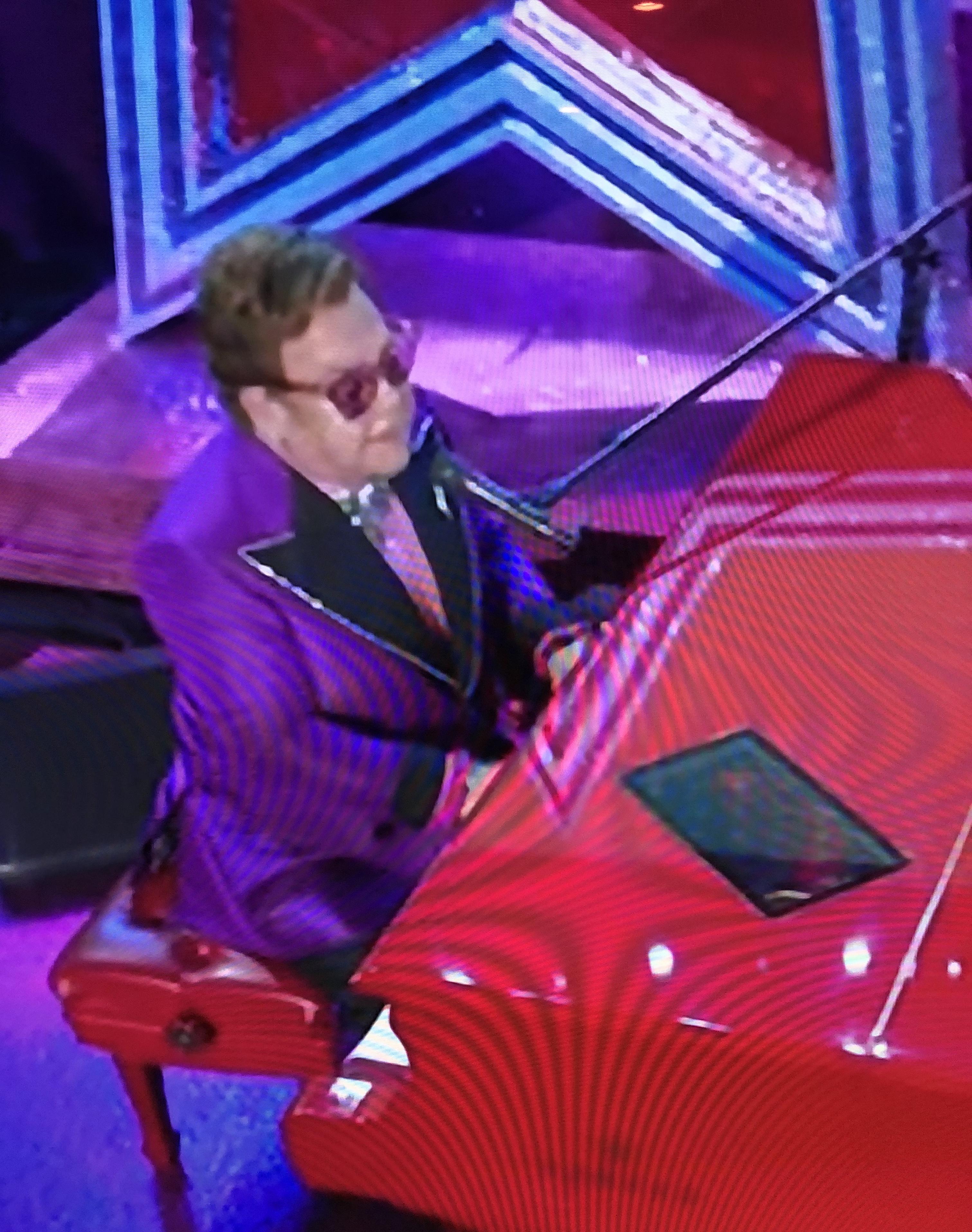 Elton John perfroming at the Oscars