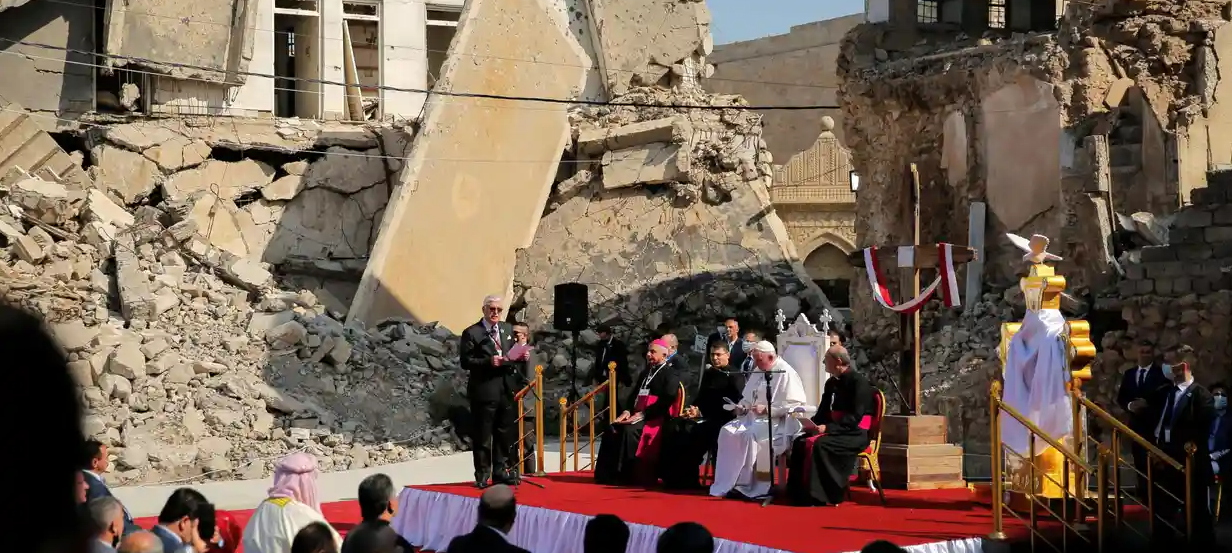 Pope Francis visits Mosul ruins