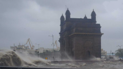 Gateway of India flooded amid storm Tauktae