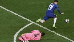 Chelsea's Kaverz scoring the winner