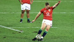 Owen Farrell takes the penalty before banging it over to increase the Lion's lead to five with two minutes left.